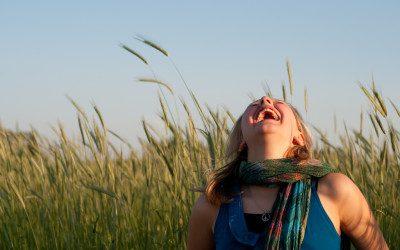 Ridere per star bene con lo yoga della risata