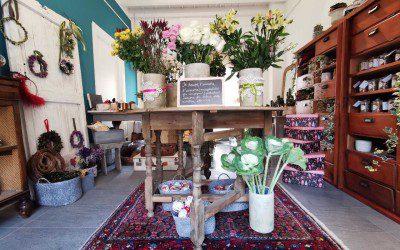 Officine Aliai, il concept store che profuma di fiori all'interno dell'Atelier del dire e del fare